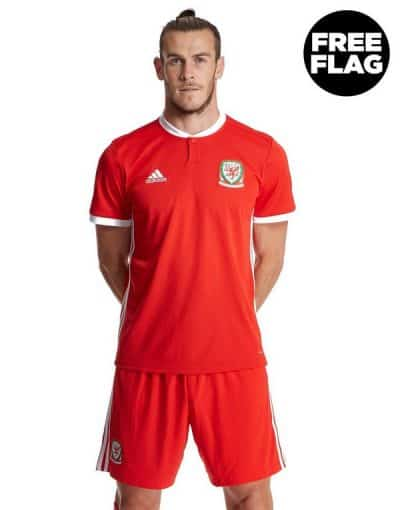 wales football shirt. welsh gifts ideas for him.