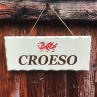 croeso plaque sign